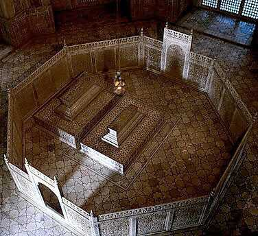 Interior_Taj_Mahal