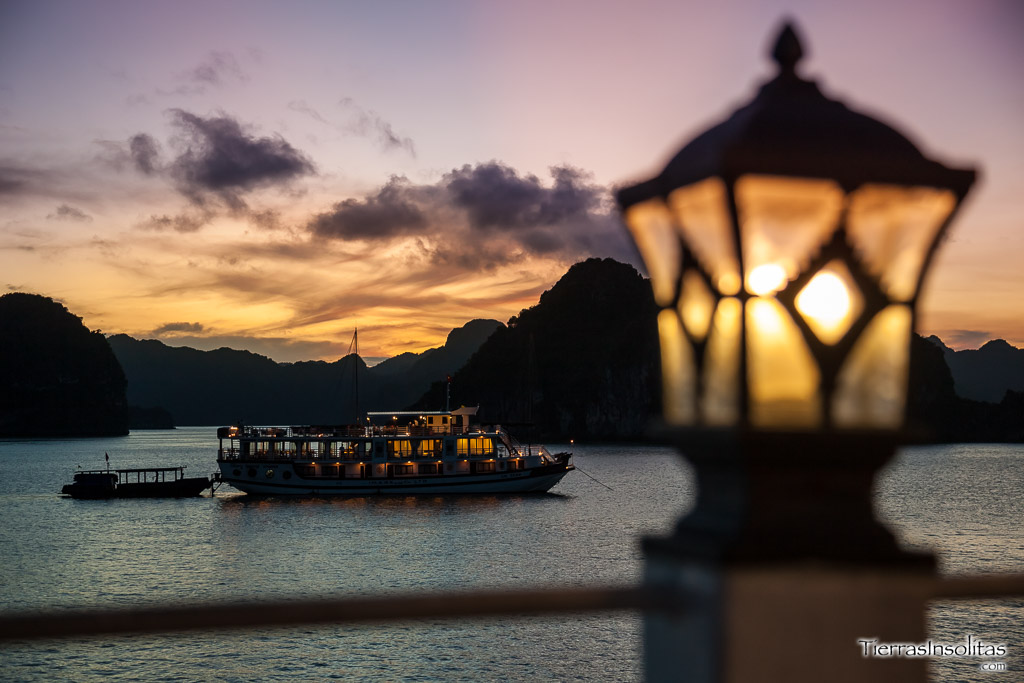sunset halong bay vietnam