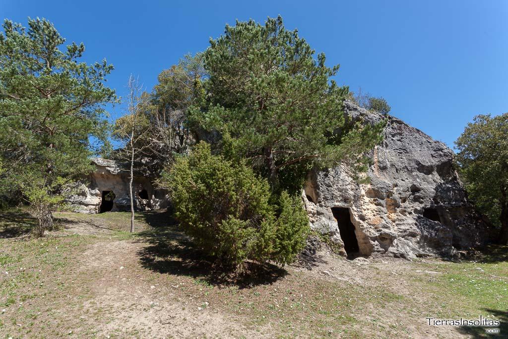 cuevas de los moros corro valdegovía