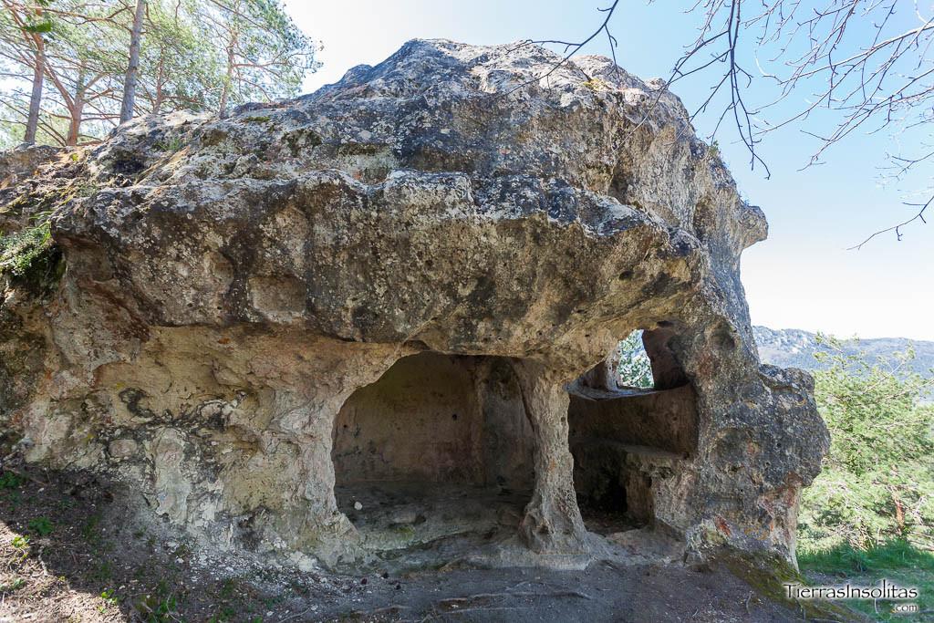 peña de santiago pinedo cuevas de valdegovía