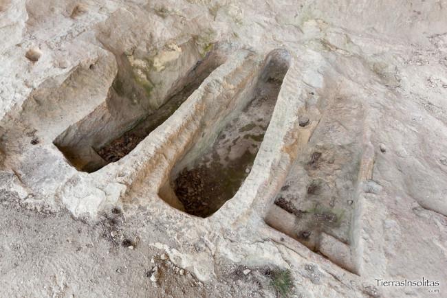 tumbas peña de santiago