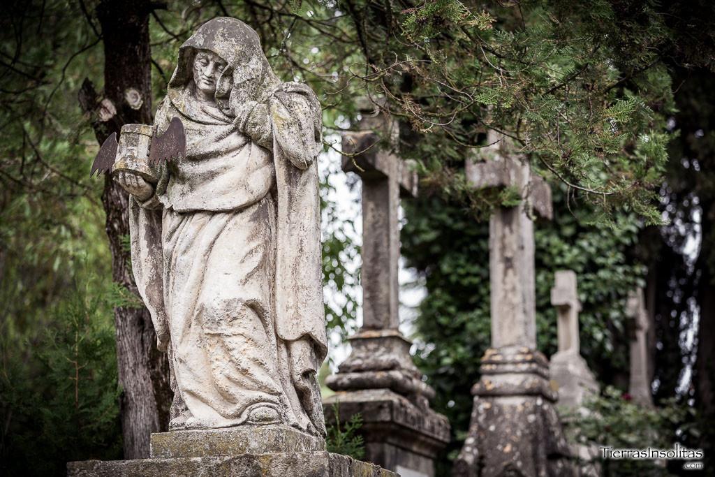 kreibich-helzel-cementerio-santa-isabel-vitoria-gasteiz