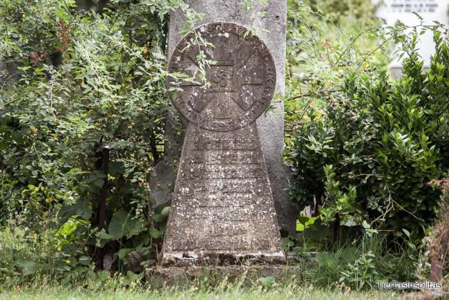 lápida fusilados Santa Isabel