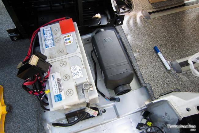 calefacción instalación eléctrica en una furgoneta camper