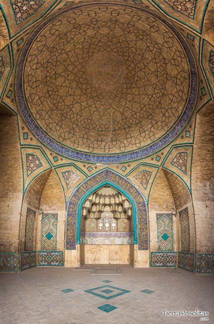 interior mezquita hakim isfahán irán