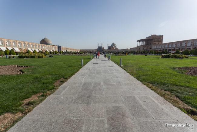 plaza naqsh-e jahan