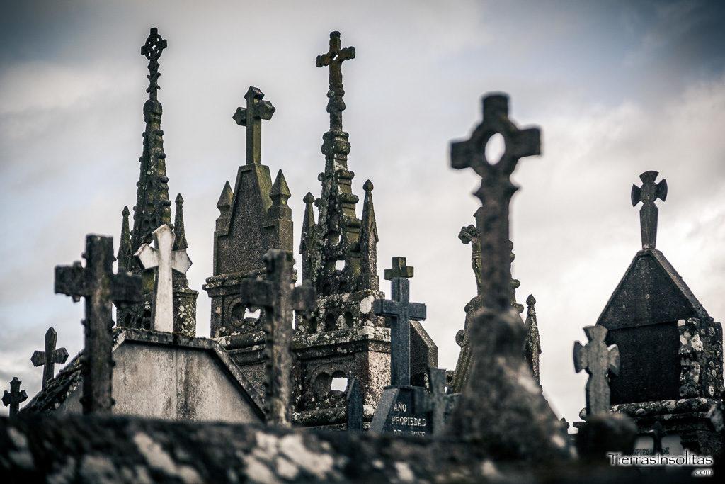 detalle cruces cementerio román terra cha
