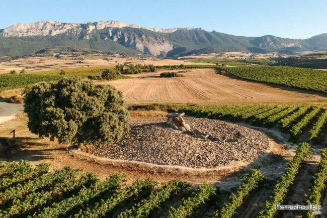 vista aérea dolmen chabola de la hechicera
