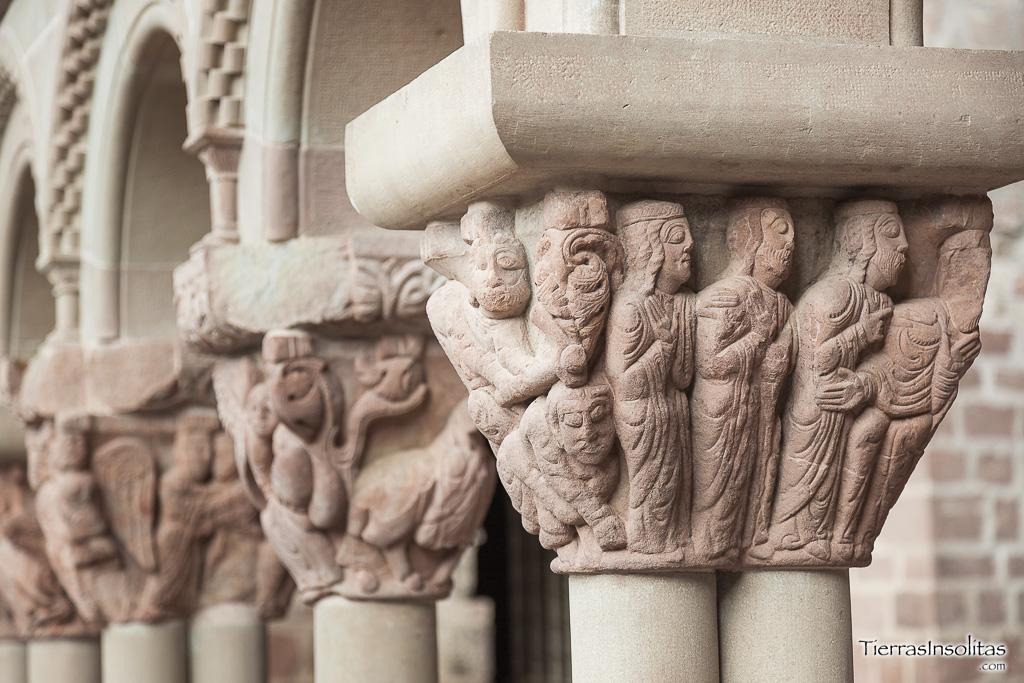 claustro monasterio san juán de la peña
