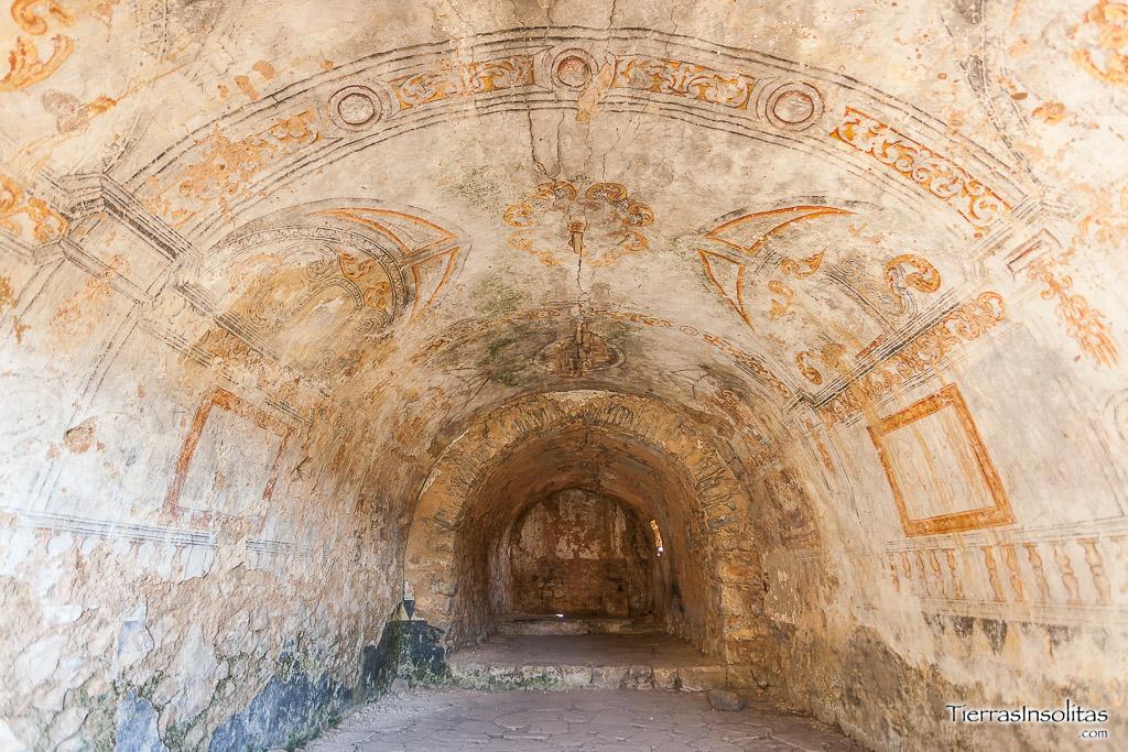 interior ermita de san antón