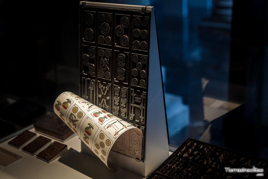 técnica litografía cartas museo fournier naipes vitoria