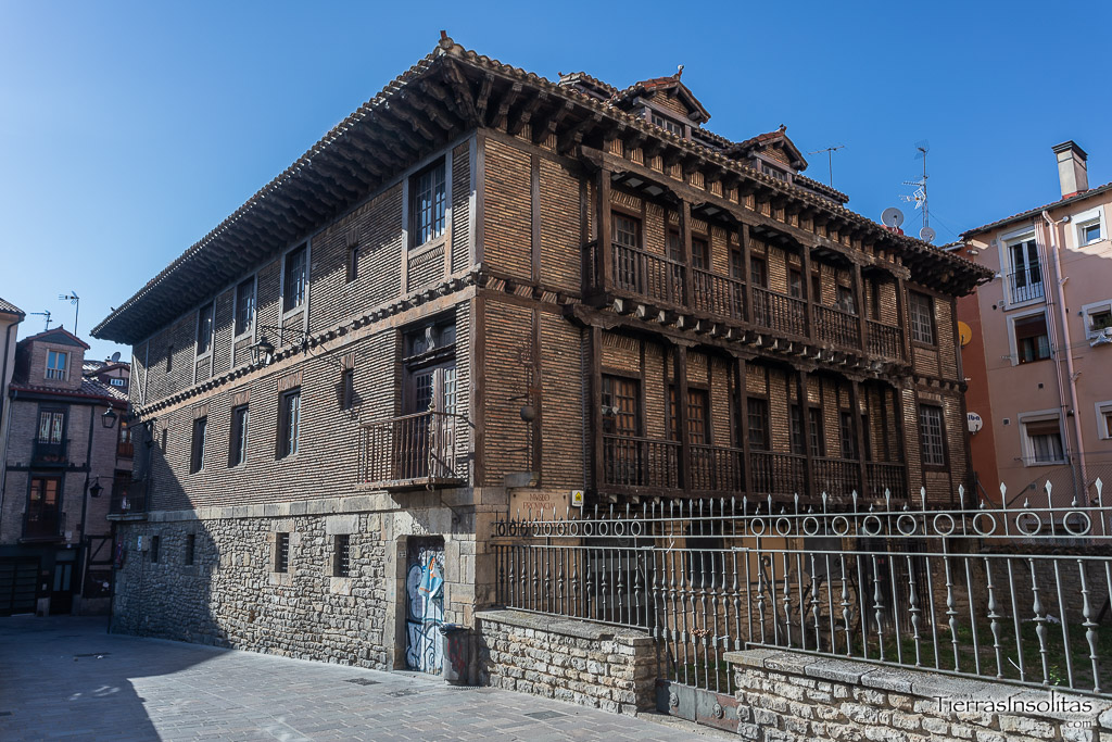 casa armera de los gobeo-guevara y san juan