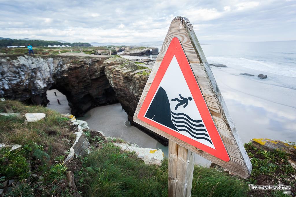 peligro acantilados playa catedrales