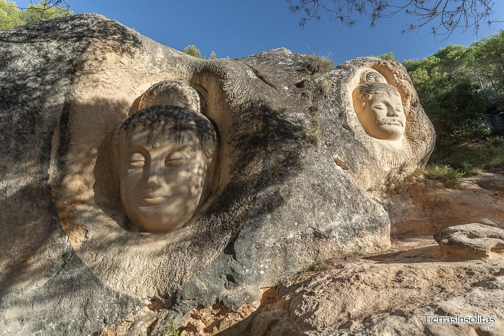 esculturas maitreya arjuna
