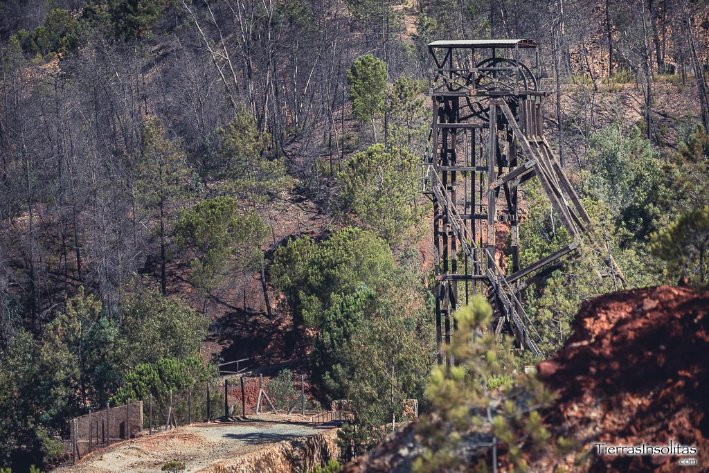 maquinaria mina peña de hierro